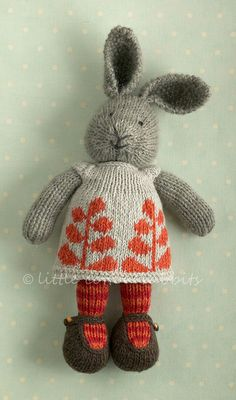 Autumn by Little Cotton Rabbits - bought a pattern - just need to buy the yarn and begin! Knitting For Kids, Knitting Yarn, Knitting Projects, Baby Knitting, Crochet Projects, Knitting Patterns, Knitted Bunnies, Knitted Animals, Knitted Dolls