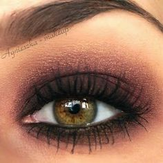 A perfect bronzed smokey eye look to compliment hazel eyes. Add lashings of mascara to create that perfect evening look..