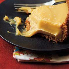 Tarte <i>butterscotch</i> au bourbon en croûte de pacanes
