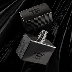 Give in to the gift of Noir Anthracite. #TOMFORD #TFGIFTS