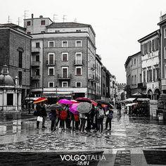 Piazza Tre Martini Rimini Foto di @maddalenaemme #volgorimini #volgoemiliaromagna #volgoitalia #volgosocial #rimini #riminirimini #rimini2016 #riminibeach #riminicentro  #rimining #emiliaromagna #italytrip #italytour #rivieraromagnola #italia #italy #italian #holiday #holidayinitaly #iloveitaly #travelling #splash #square #piazzatremartiri #centrostorico by volgorimini