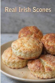 This is my first ever scones recipe. This is a basic irish scones recipe and it taste amazing. Baking Recipes, Dessert Recipes, Scone Recipes, Scones And Cream Recipes, Bread Recipes, Simply Yummy, Scottish Recipes, Irish Food Recipes, Turkish Recipes