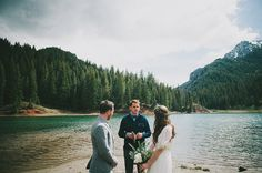 This is basically the perfect Colorado outdoor wedding. ❤️