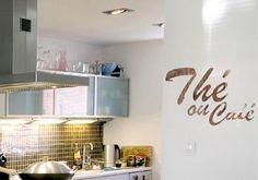 Sticker de cuisine thé ou café. Une déco de cuisine dans le style trash, usé.