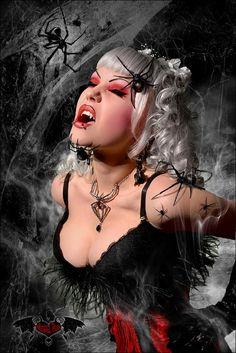 panic-art-of-hot-female-vampires-4.jpg (630×943)