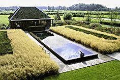 Piet Boon Garden, the Netherlands. Piet Oudolf designer, photo by nicola browne Modern Landscaping, Pool Landscaping, Formal Garden Design, Pool Water Features, Chicago Botanic Garden, Garden Architecture, Contemporary Garden, Private Garden, Parcs