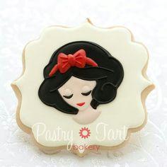 Snow White Cookie