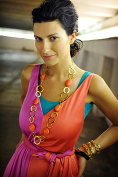 Picture of Laura Pausini Singing Contest, Pop Singers, Her Music, Record Producer, Superstar, Love Her, Sari, Style, Celebrity