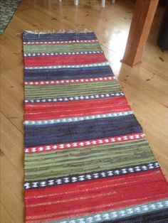 Tapestry Weaving, Loom Weaving, Hand Weaving, Rag Rugs, Kilim Rugs, Tyger, Rug Inspiration, Braided Rugs, Recycled Fabric