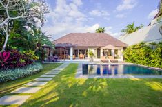 Serene Villas is a complex of luxury pool and garden villas offering all the facilities you desire on holiday. Serene Villas is in Seminyak, Bali. Indoor Outdoor Bathroom, Outdoor Tub, Luxury Hotel Bathroom, Bathroom Interior, Modern Bathroom, Pool Landscaping, Backyard Pools, Pool Decks, Natural Swimming Pools