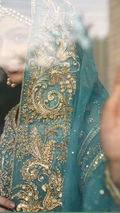 Asian Bridal Dresses, Eid Dresses, Pakistani Dress Design, Pakistani Bridal, Anarkali Dress Pattern, Nikkah Dress, Mehndi Brides, Organza Dress, Gold Work