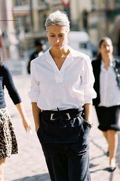 #streetclothing Fashion Over 50, Daily Fashion, Trendy Fashion, Fashion Outfits, Fashion Tips, Fashion Trends, Style Fashion, Fall Outfits, Womens Fashion