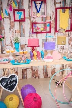 Festa Ginastas | Macetes de Mãe Hawaiian Decor, Pig Party, Unicorn Party, Gymnastics, Birthday Parties, Peppa Pig, Happy Hour, Party Ideas, Sports