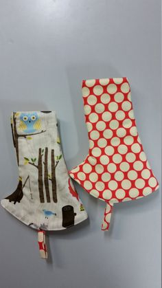 Tula curved suck pads in CAMPY print reversible-RTS by SIBLINGS