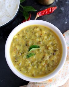 whole green gram coconut curry recipe, kerala style cherupayar curry Pea Recipes, Curry Recipes, Indian Food Recipes, Soup Recipes, Vegetarian Recipes, Dhal Recipe, Rasam Recipe, Chutneys, Green Moong Dal Recipe