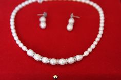 beautiful pearl necklace...by Amethyh