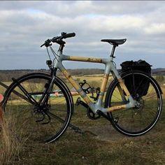 "Jakob's touring bike in ""elefanthrazit"" grey."