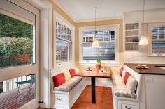 Кухонный уголок с ящиками для хранения: 70+ надежных и практичных моделей, которые комфортизируют интерьер кухни http://happymodern.ru/kuxonnyj-ugolok-s-yashhikami-dlya-xraneniya/ Раздельные сиденья в кухонном уголке с боковыми и вертикальными ящиками