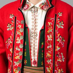 mannsbunad telemark 1750 - Google-søk Folk Embroidery, Cross Stitch Embroidery, Norwegian Wedding, Folk Clothing, Tribal Dress, Wedding Costumes, Pattern Drafting, Folk Costume, Festival Wear