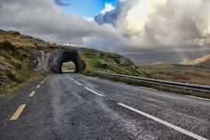 Planning a road trip through Ireland? Get your frequently asked questions answered with this Wild Atlantic Way Map and Route Guide based on my road trip. My Road Trip, Road To Hana, Maui Vacation, Dream Vacations, Driving In Ireland, Places To Travel, Places To Visit, Ireland Travel, Traveling By Yourself