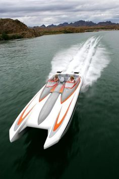 Boat + girl driver = awesomeness! Fast Boats, Cool Boats, Speed Boats, Power Boats, Offshore Boats, Ski Boats, Yacht Boat, Sailing Boat, Float Your Boat