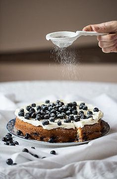 Lemon and Blueberry Cake - This cake looks so beautiful! I can't wait to try this #recipe!