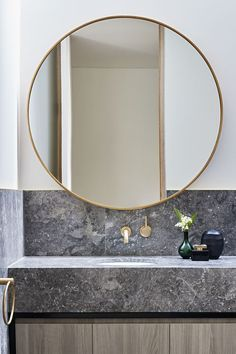 The Concrete Conceal House By Tecture Local Australian Architecture & Housing Interior Design Caulfield, Melbourne Image 21 - The Local Project Mid Century Modern Bathroom, Gold Interior Design, Interior Design Inspiration, Decor Interior Design, Bathroom Mirror, Round Mirror Bathroom, Modern Bathroom, Australian Interior Design, Mirror