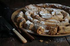 Συνταγή για γλυκιά στριφτή ταχινόπιτα Sweet Cooking, Sweet Recipes, French Toast, Pie, Favorite Recipes, Sweets, Sugar, Breakfast, Desserts