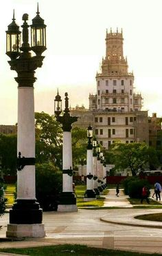 This is the Central Park. This is the limit between  Havana and old Havana