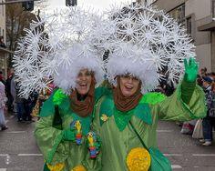Blowballs / Pusteblumen | Carnival Parade in Trier (Germany)… | Flickr