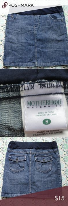 *~*Motherhood Maternity Jean Skirt Size S*~* Super sweet denim skirt! This Item is in Excellent Used Condition! Motherhood Maternity Skirts
