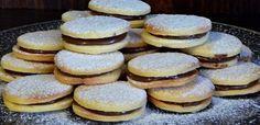 10 bitang jó aprósüti, amit még karácsony előtt meg kell sütnöd - Receptneked.hu - Kipróbált receptek képekkel My Recipes, Cookie Recipes, Favorite Recipes, Xmas Dinner, Christmas Snacks, Pavlova, Cake Cookies, Holiday Parties, Bakery