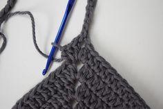 Basic Bralette Tutorial – Morale Fiber Motif Bikini Crochet, Crochet Bra, Crochet Halter Tops, Bralette Pattern, Bra Pattern, Pattern Sewing, Crop Top Pattern, Little Designs, Crochet Projects