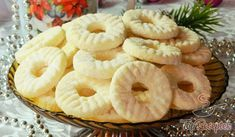 Coconut rings without egg, not just for Christmas – Andrea Hügel – Willkommen in der Welt der Frauen Cookie Desserts, Cookie Recipes, Dessert Recipes, Czech Recipes, Christmas Dishes, Lunch Snacks, Four, Cakes And More, Creative Food