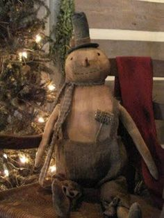 Prim s-man and other prims. Ramblings from tonight… Part II of II Primitive Christmas, Country Christmas, Christmas Snowman, Winter Christmas, Vintage Christmas, Christmas Holidays, Christmas Decorations, Snowman Wreath, Snowman Crafts