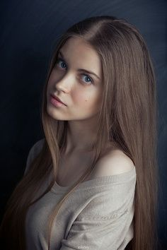 Jasmine Nocte. 16 year old at the Covenant that Cassie meets.