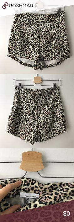 """[$12] 🖤 Animal Print Short Shorts Only $11.90 (30% off) in a 3+ item bundle! High-waisted animal print short shorts with side zipper. Front rise: ~14"""". Waistband: ~30"""". Thigh opening: ~23"""". Like new condition! Listing no: 171 Topson Downs Shorts"""