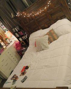 White comforter perfect bedroom