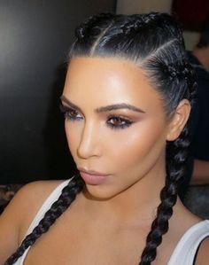 Trendy fryzury jesień zima 2016 - Kim Kardashian w boxer braids Kim Kardashian Peinado, Kim Kardashian Hair, Kardashian Hairstyles, Kardashian Style, Kardashian Jenner, Curly Hair Styles, Natural Hair Styles, Boxer Braids, Mode Inspiration