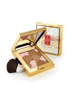 Get a glow with Elizabeth Arden's blossoming bronzer with pops of pink #blush #highlighter