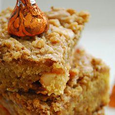 Pumpkin Toffee Blondies. I NEED THESE IN MY BELLEH NOW!