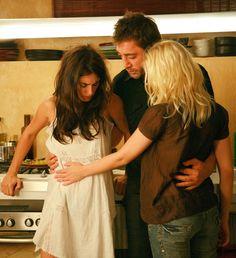 Penelope Cruz, Javier Bardem, Scarlett Johansson on the set of Vicky Cristina Barcelona (Woody Allen, 2008)
