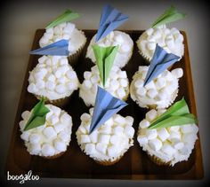 Fun Activity with Grandpa = Marshmallow Clouds & Paper Airplane Cupcakes! Paper Airplane Party, Planes Party, Paper Plane, Airplane Party Food, Airplane Cupcakes, Airplane Birthday Cakes, 3rd Birthday Parties, Baby Birthday, Birthday Ideas