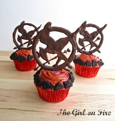 I would have a Hunger Games party, and pick out invitations based on a Reaping style drawing. Except I would have to hide all the silverware in case sh*t got real. Sweet 16 Birthday, 13th Birthday, Hunger Games Party, Yummy Cupcakes, Baby Games, Cupcake Cakes, Cupcake Ideas, Themed Cakes, Soul Food