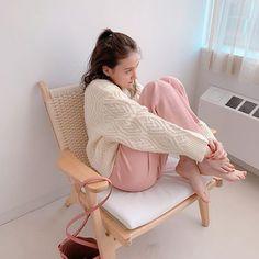 トリンドル玲奈 / Reina Triendl(@toritori0123) • Instagram写真と動画 Reina Triendl, Marie Antoinette, Floor Chair, Flooring, Model, Instagram, Furniture, Home Decor, Style