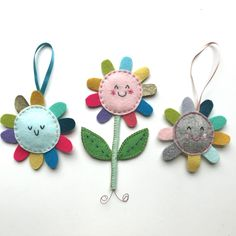 The creative and crafty adventures in handmade jewellery, crochet, home decorations and dressmaking, here at Shirley Rainbow. Sewing Projects For Kids, Sewing For Kids, Diy For Kids, Sewing Crafts, Craft Projects, Diy Keyring, Felt Embroidery, Felt Garland, Felt Christmas Ornaments