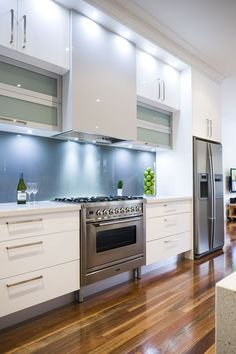 LOOK I WANT Recent Kitchens Gallery | Kitchen Gallery | Smith & Smith Kitchens | Smith & Smith. Love the stainless & the white