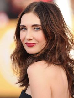 CARICE VAN HOUTEN Played in The Games of Thrones as Melisandre of Asshai. She also played In Therapie, Human Planet and as a voice in The Simpsons.