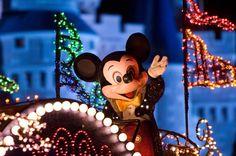 Main Street Electrical Parade Disney Photos - Disney Tourist Blog
