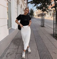 Modest fashion 468163323762439751 - Source by arualjdn Street Style Outfits, Mode Outfits, Trendy Outfits, Modest Fashion, Hijab Fashion, Fashion Outfits, Womens Fashion, Travel Outfits, Feminine Fashion